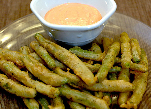 Green Bean Appetizer  Fried Green Beans with Spicy Dipping Sauce