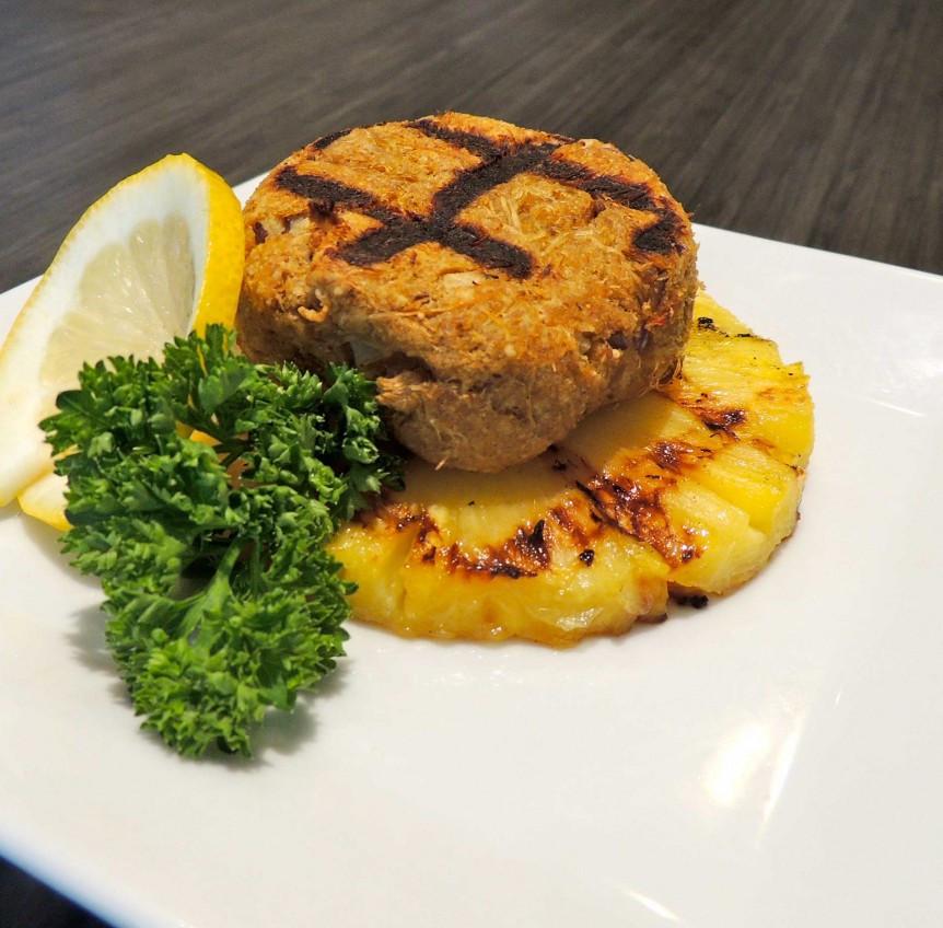Grilled Crab Cakes  Grate Grilled Crab Cakes – GrillGrate Lounge