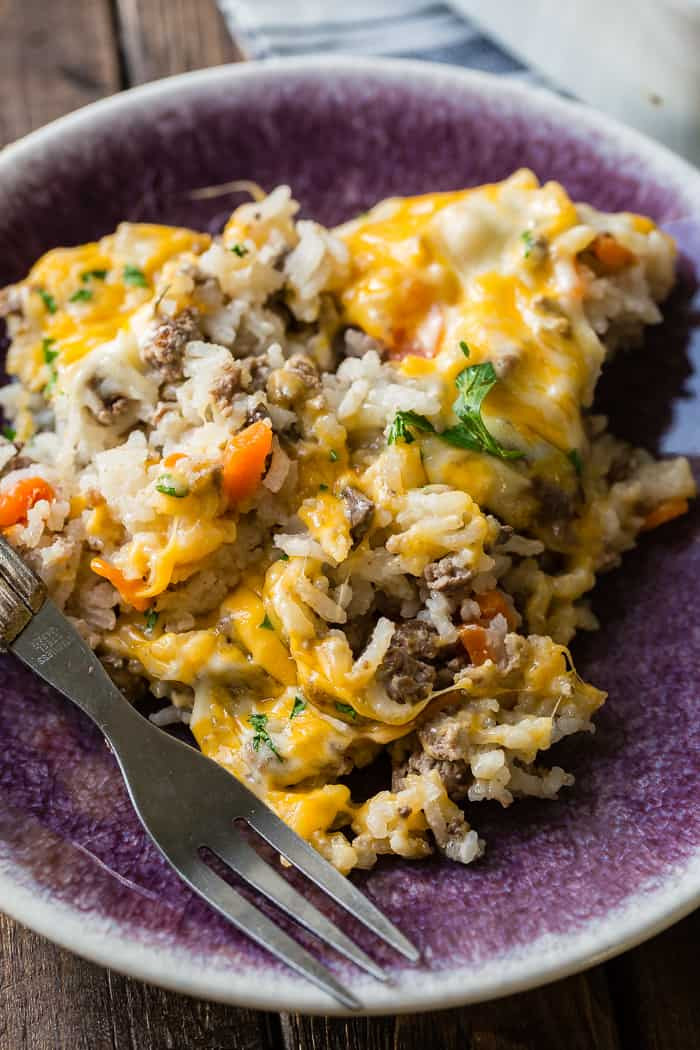 Ground Beef Dinner Recipes  Cheesy Ground Beef and Rice Casserole