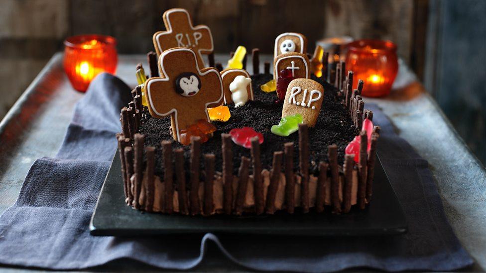 Halloween Cake Recipe  BBC iWonder How do I make a cake that screams Halloween