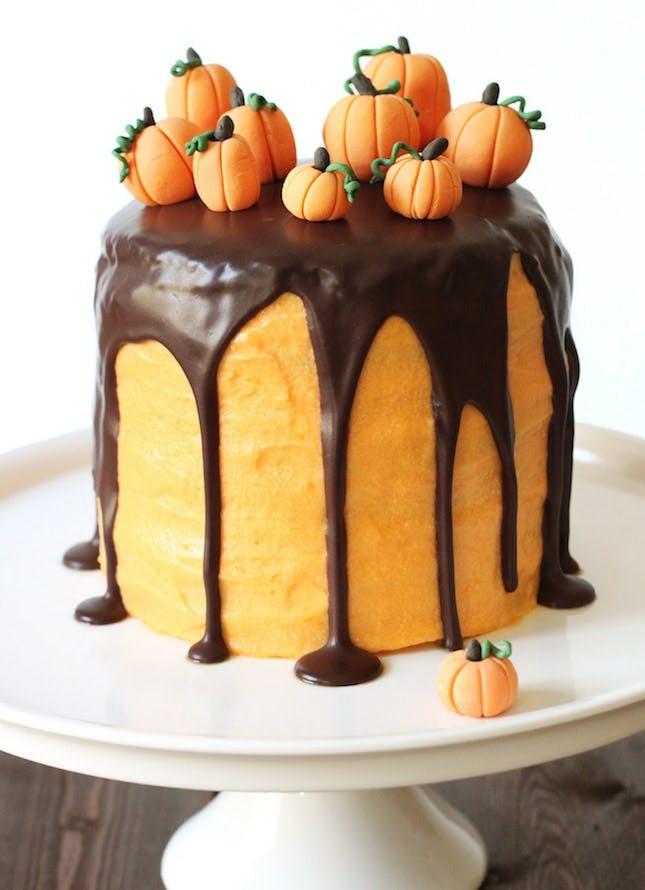 Halloween Cake Recipe  22 Scary Amazing Halloween Cakes