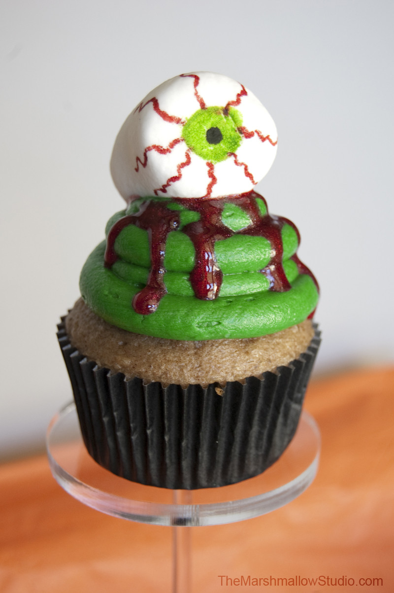 Halloween Cupcakes Toppers  DIY 10 WAYS TO USE MARSHMALLOWS TO MAKE HALLOWEEN