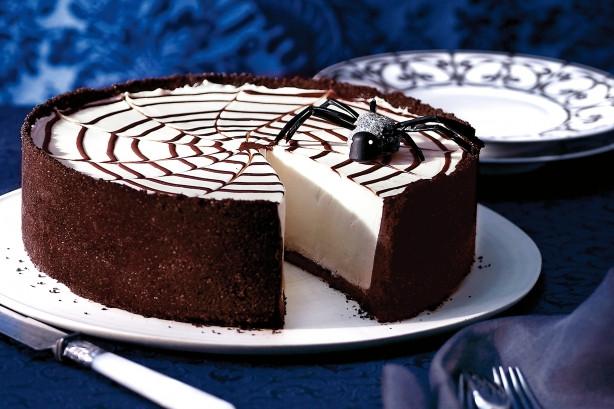Halloween Themed Desserts  Halloween Themed Dessert Spider Web Cheesecake