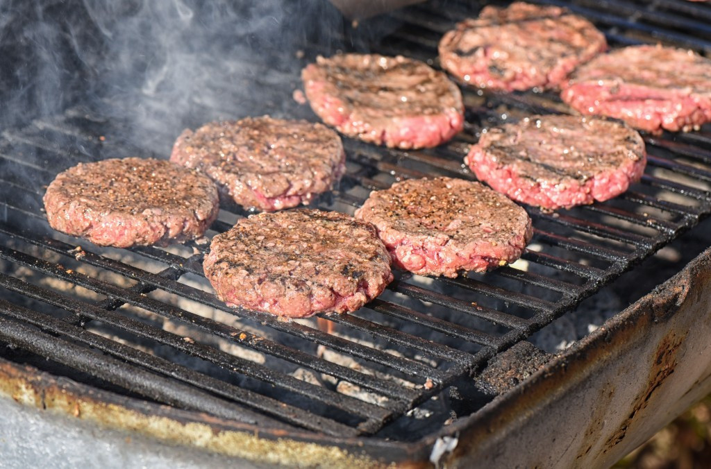 Hamburgers On The Grill  best barbecued hamburgers