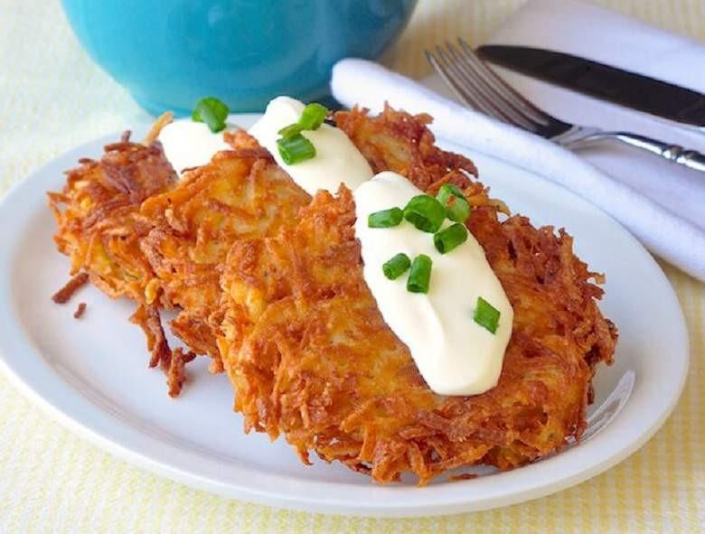 Hanukkah Potato Latkes  Potato Latkes Recipes How to Make Easy Pancakes on