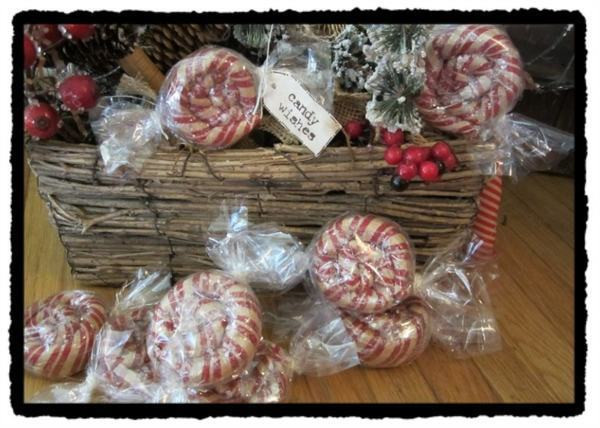 Hard Candy Christmas  4 primitive ornies sweet wishes Can s Prim wrapped