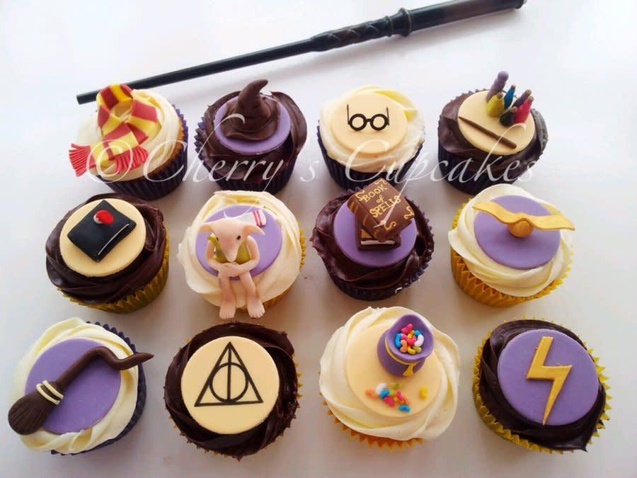 Harry Potter Cupcakes  Harry Potter Cupcakes cake by Cherry s Cupcakes CakesDecor