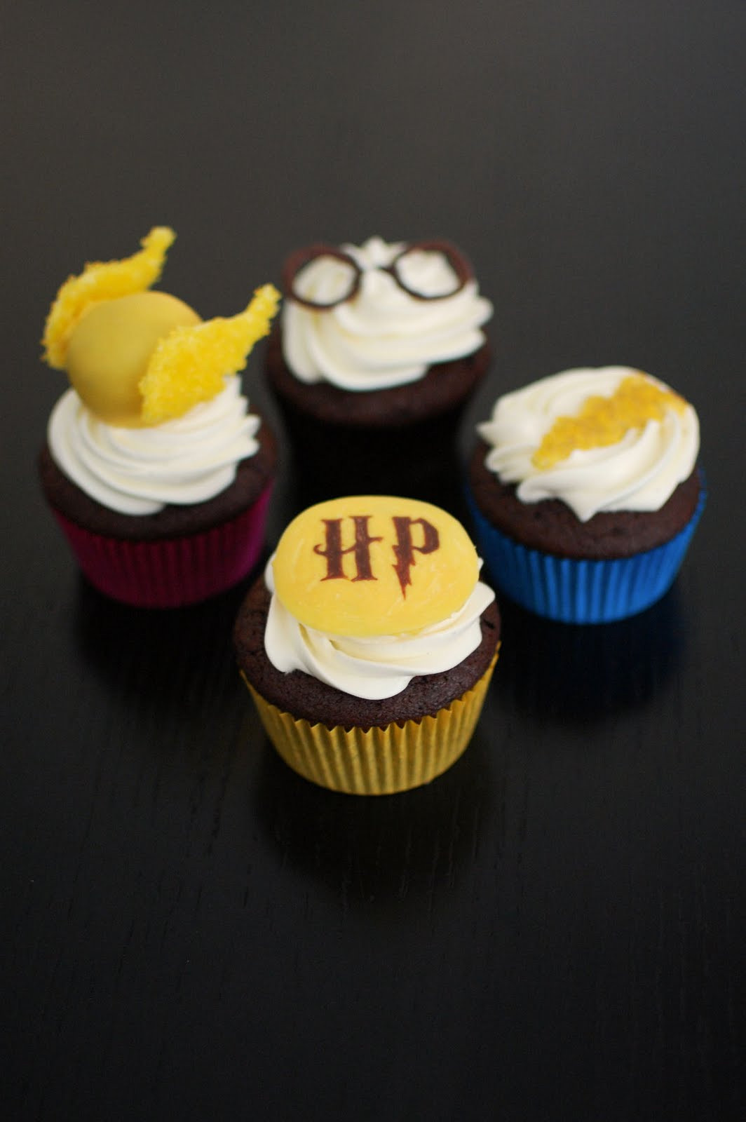 Harry Potter Cupcakes  More Harry Potter Cupcakes Including Golden Snitch