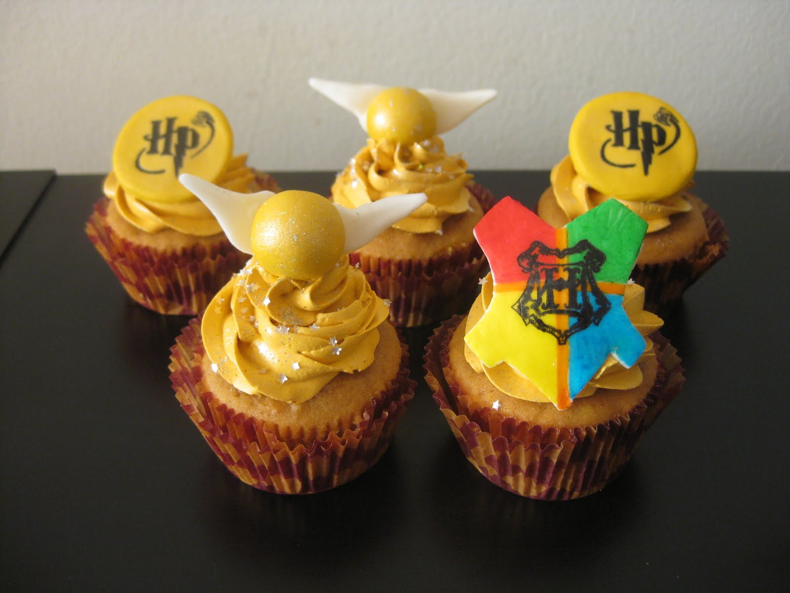Harry Potter Cupcakes  Pixie Crust Harry Potter Cupcakes Pumpkin cake filled