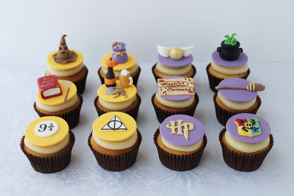 Harry Potter Cupcakes  Lydia Bakes Harry Potter Butterbeer Cupcakes