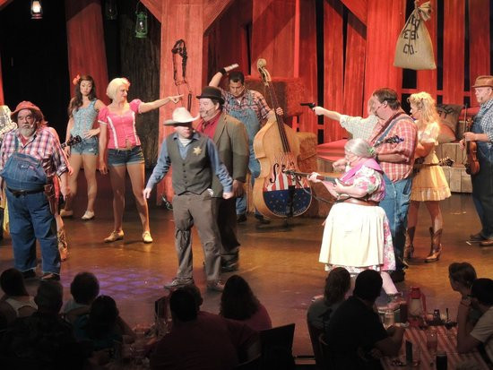Hatfields And Mccoys Dinner Show  pass the spoon contest Picture of Hatfield & McCoy