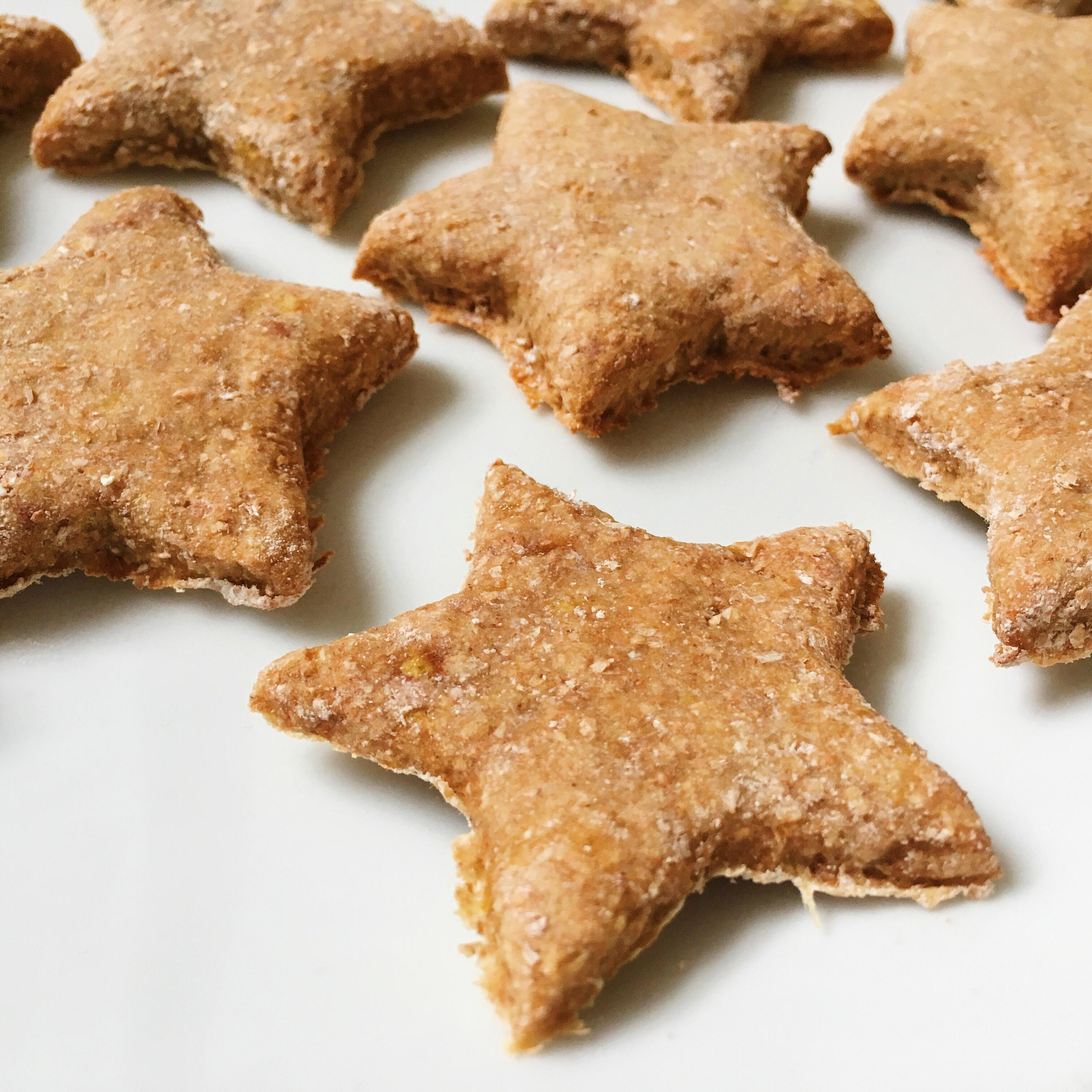 Healthy Biscuit Recipe  Healthy Cinnamon Christmas Stars Biscuits