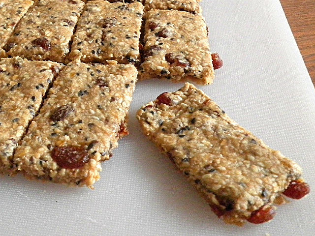 Healthy Breakfast Bar  TREAT & TRICK HEALTHY BREAKFAST BARS