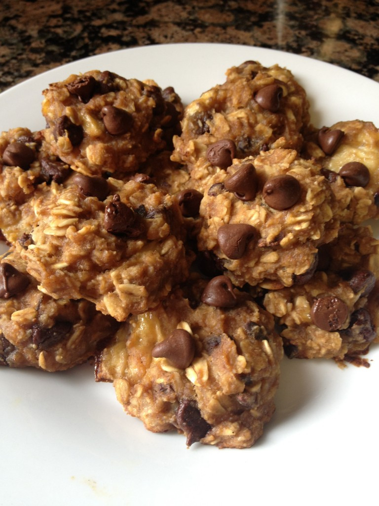Healthy Peanut Butter Oatmeal Cookies  Healthy Peanut Butter Chocolate Chip Oatmeal Cookies