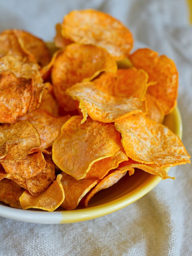 Healthy Potato Chips  10 Delicious Football Party Recipes that happen to be