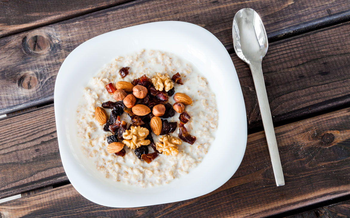 Healthy Snacks Before Bed  6 Health and Nutrition Experts Their Favorite