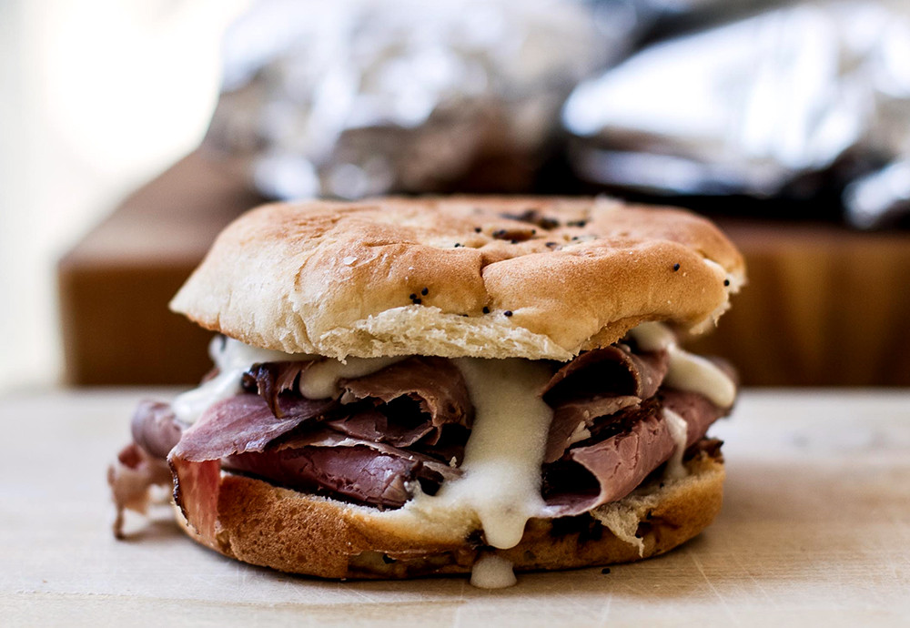 Hot Roast Beef Sandwiches  Hot Roast Beef Sandwiches with Pepper Jack Cheese Sauce