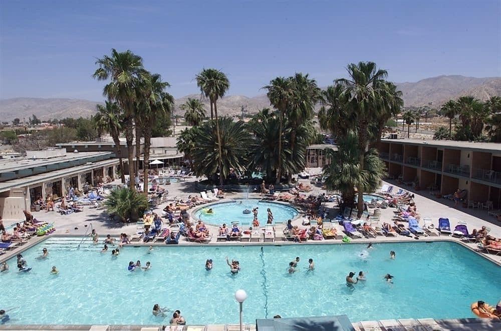 Hotels In Palm Dessert Ca  Book Desert Hot Springs Spa Hotel Palm Springs