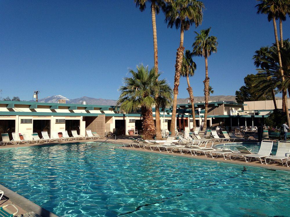 Hotels In Palm Dessert Ca  Desert Hot Springs Spa Hotel in Palm Springs