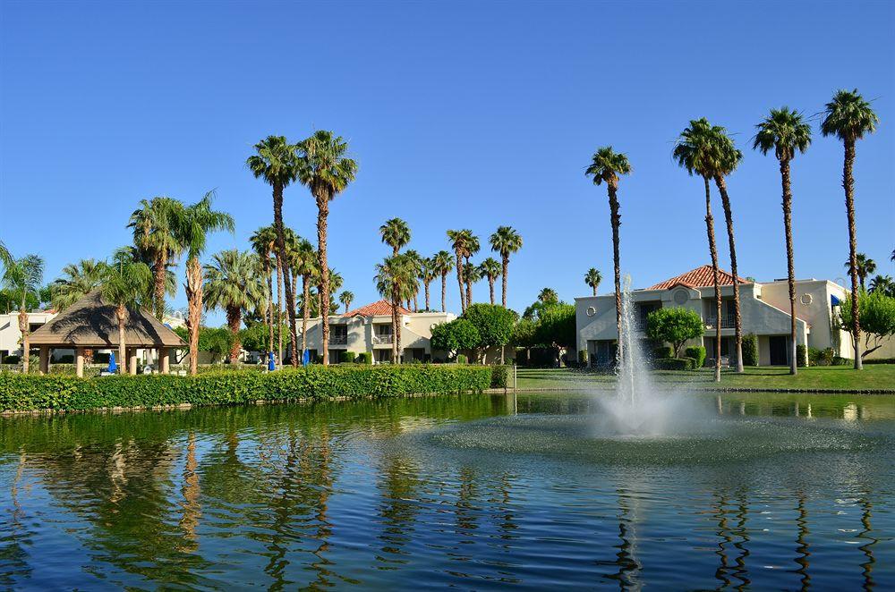 Hotels In Palm Dessert Ca  Book Desert Breezes Resort