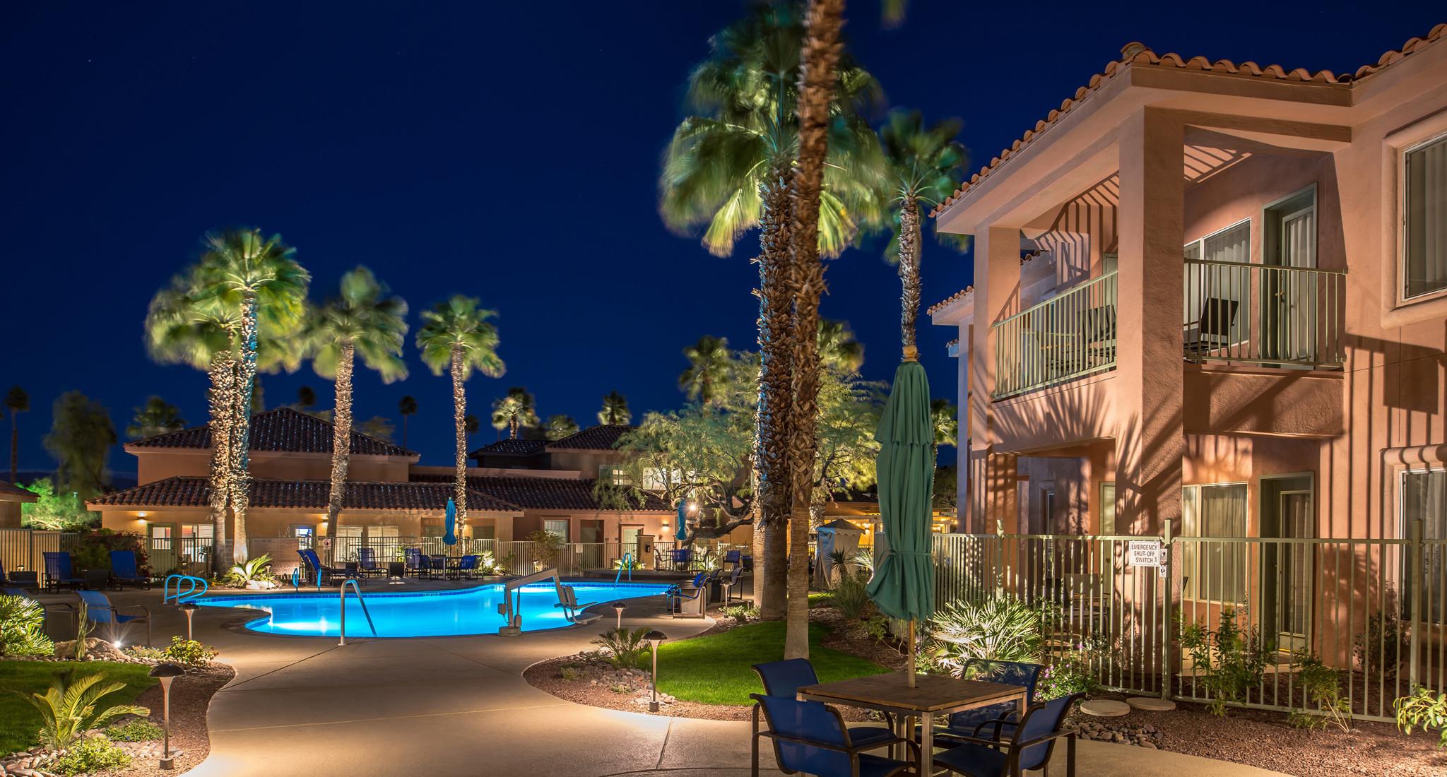 Hotels Palm Dessert Ca  Palm Desert Suites