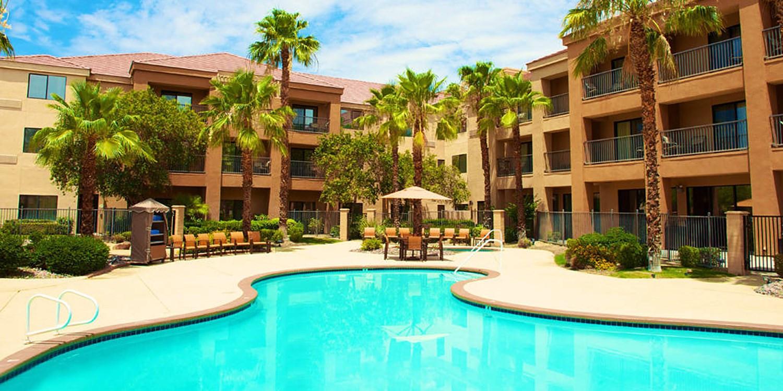 Hotels Palm Dessert Ca  Courtyard by Marriott Palm Desert