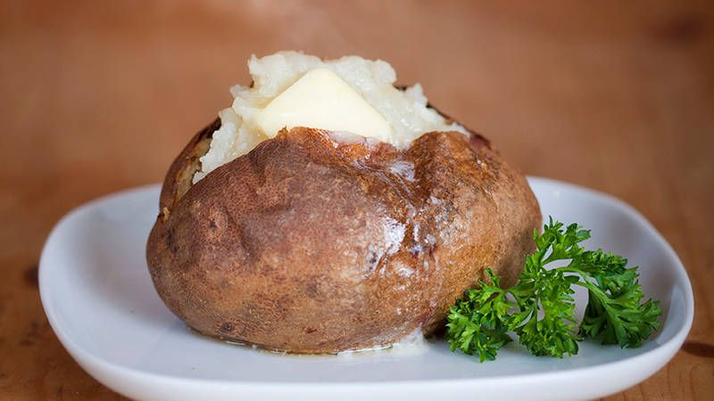 How Long Does It Take To Microwave A Potato  How Long Do I Bake a Potato