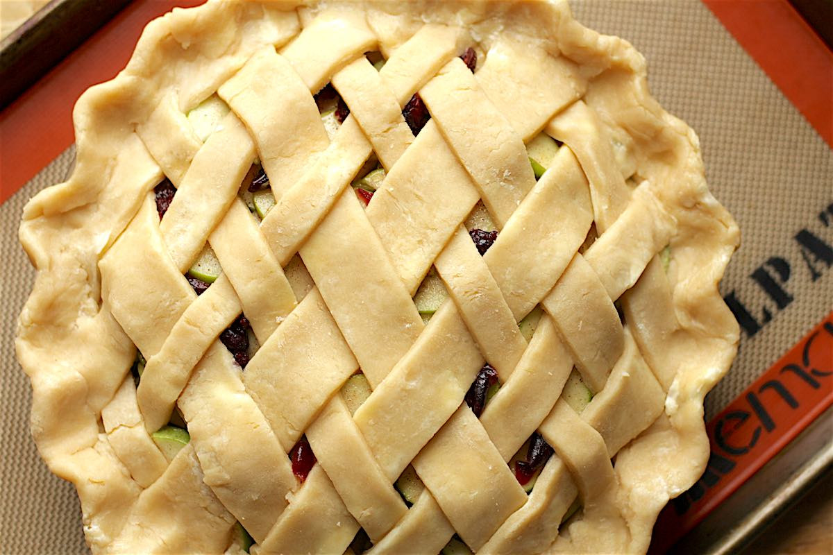 How Long To Bake Apple Pie  How to Make a Lattice Pie Crust