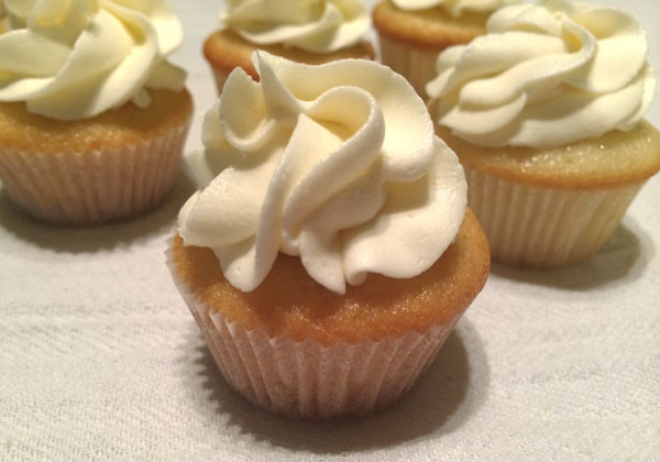 How Long To Bake Cupcakes  Perfect Bite Sized Treats How to Make Mini Cupcakes