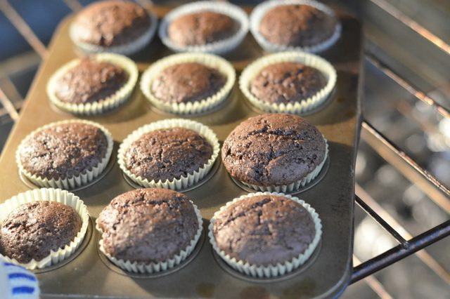 How Long To Bake Mini Cupcakes  How to Bake Mini Cupcakes From a Cake Mix