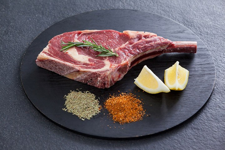 How Long To Cook Bone In Pork Chops  how long to bake bone in pork chops at 400