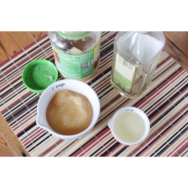 How Much Applesauce To Replace Oil  How to Substitute Applesauce for Oil in Cupcakes