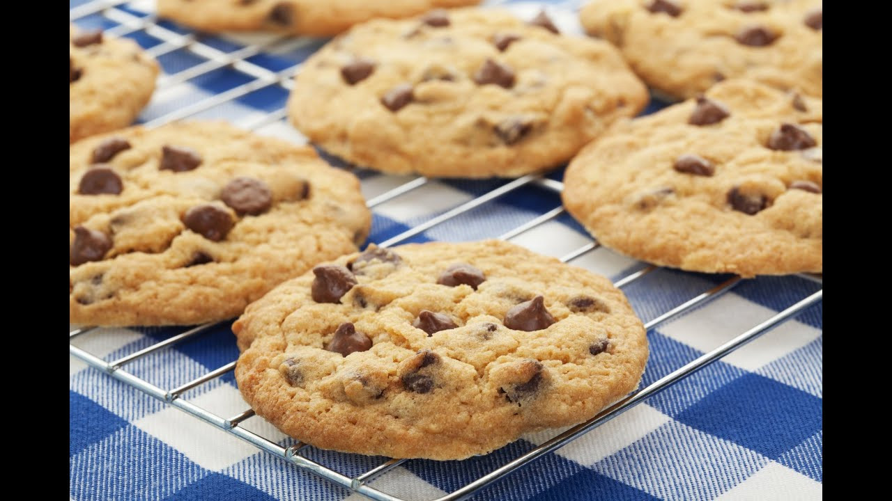 How To Bake Chocolate Chip Cookies  How To Make Cookies