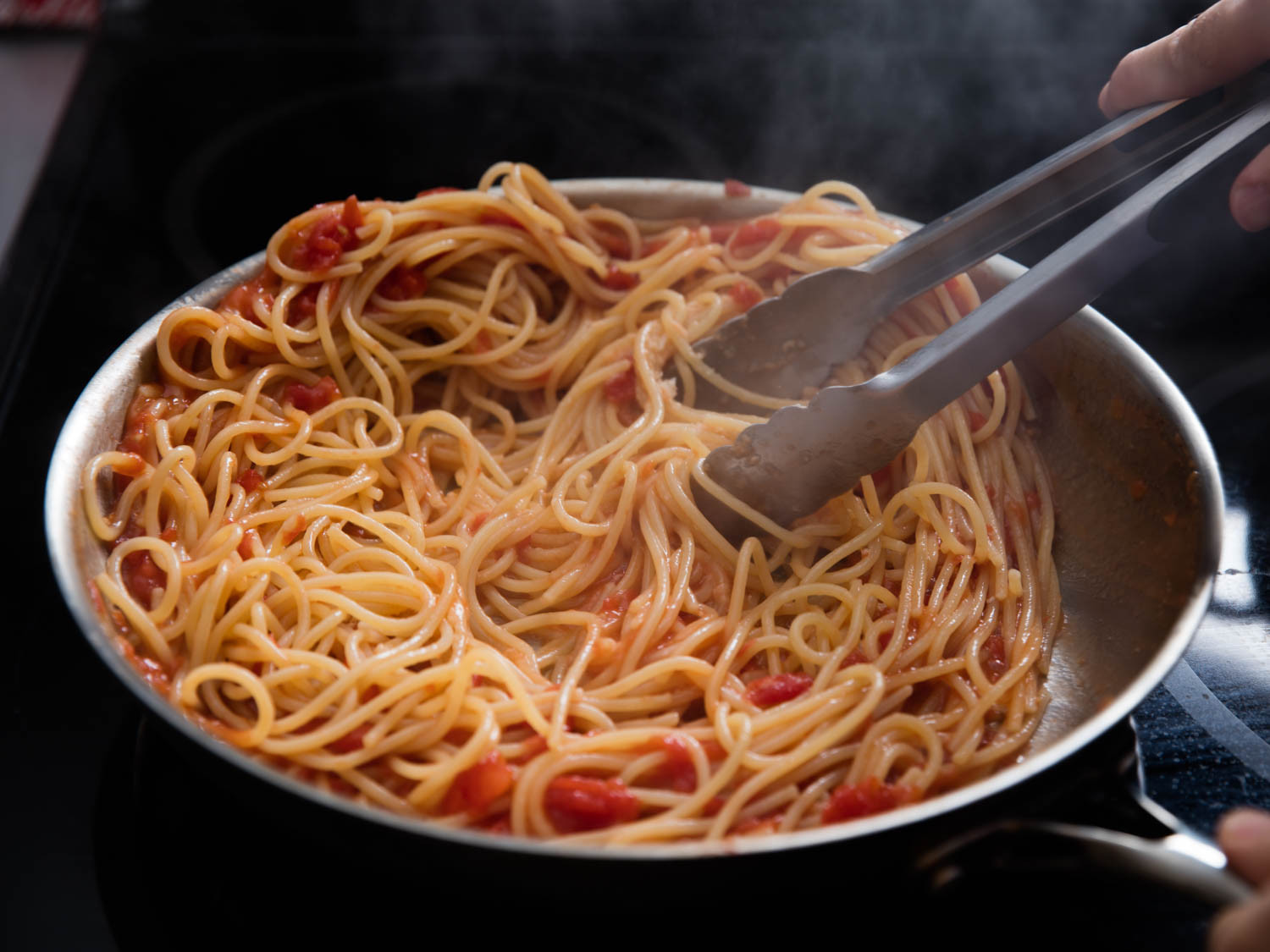 How To Cook Pasta Sauces  The Right Way to Sauce Pasta