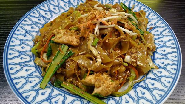 How To Cook Rice Noodles  How to Cook Spicy Rice Noodles with Grilled Steak Recipe