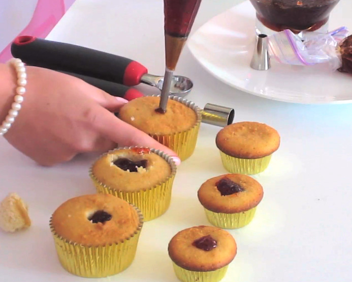 How To Fill Cupcakes  VIDEO Tips & Tricks For How To Fill Your Cupcakes