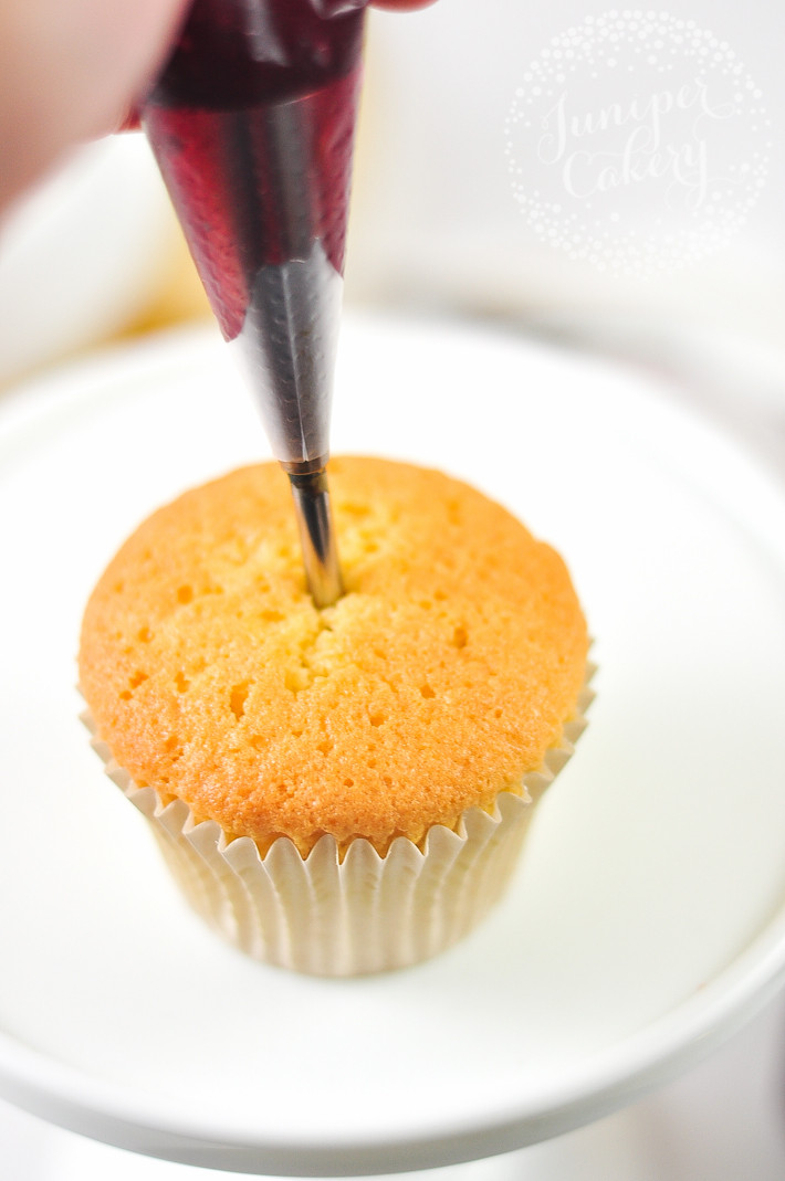 How To Fill Cupcakes  How to Fill Cupcakes to Perfection 3 Methods to Try
