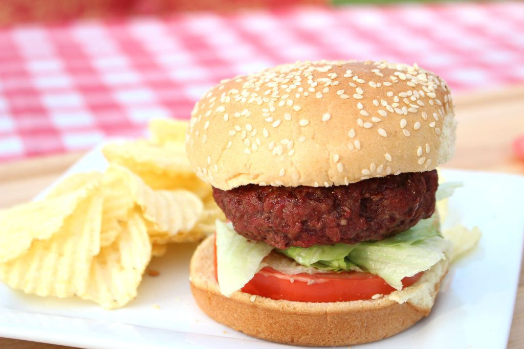 How To Grill Hamburgers  How to Grill a Hamburger 5 6 7 Grilling Method
