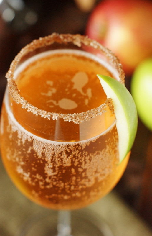 How To Make Apple Pie Drink  Sparkling Apple Cocktail Recipe — Dishmaps