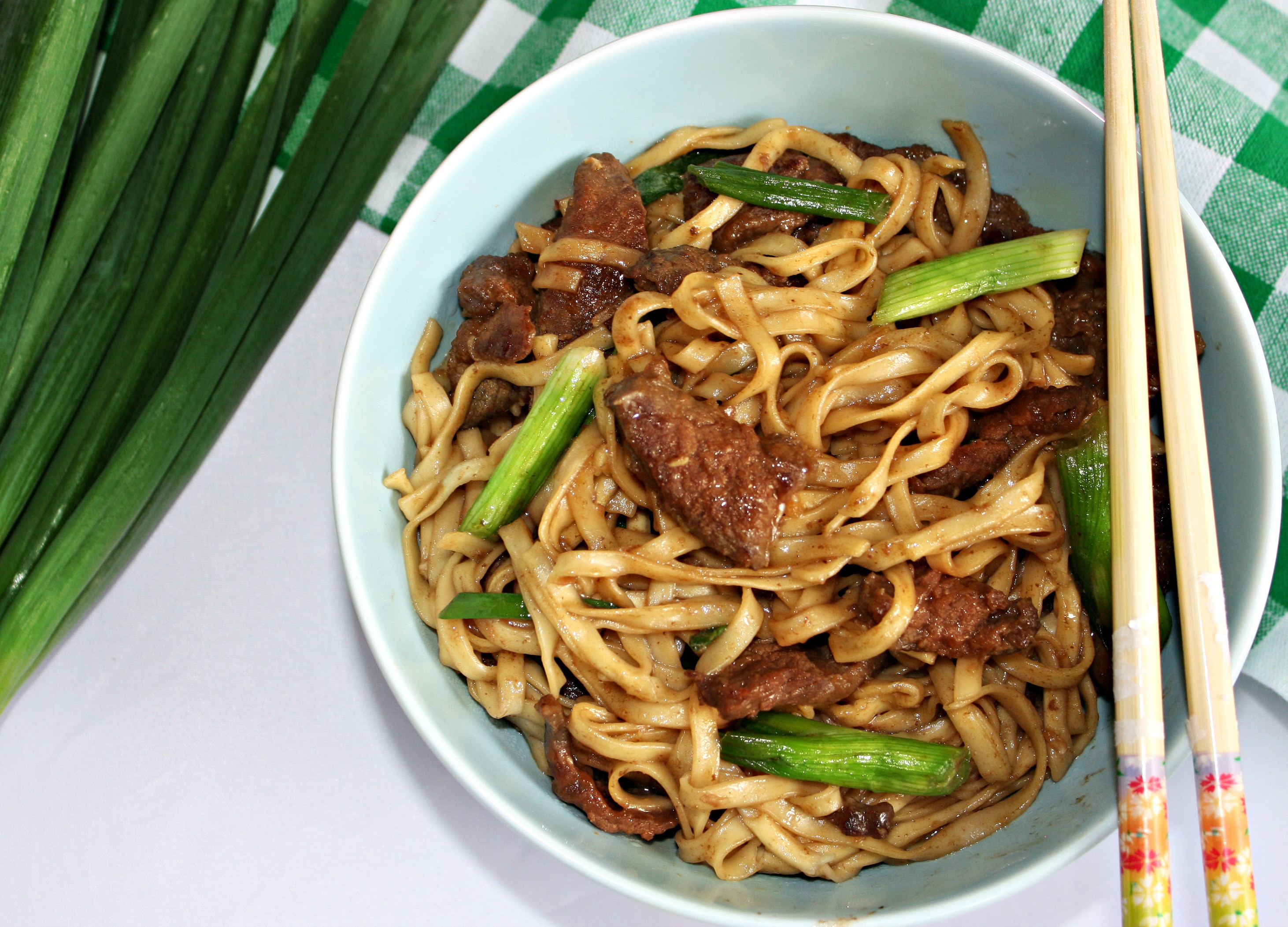How To Make Beef And Noodles  Beef with Noodles Asian Style