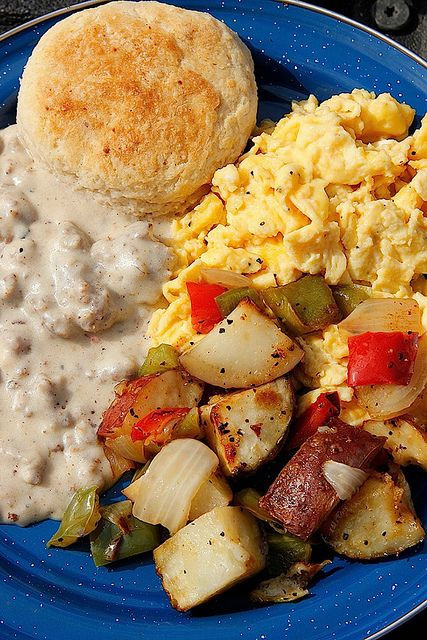 How To Make Breakfast Gravy  Drop Biscuits and Sausage Gravy Recipe
