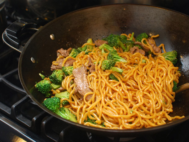 How To Make Chinese Noodles  Chinese Noodles 101 How to Make Lo Mein With Beef and