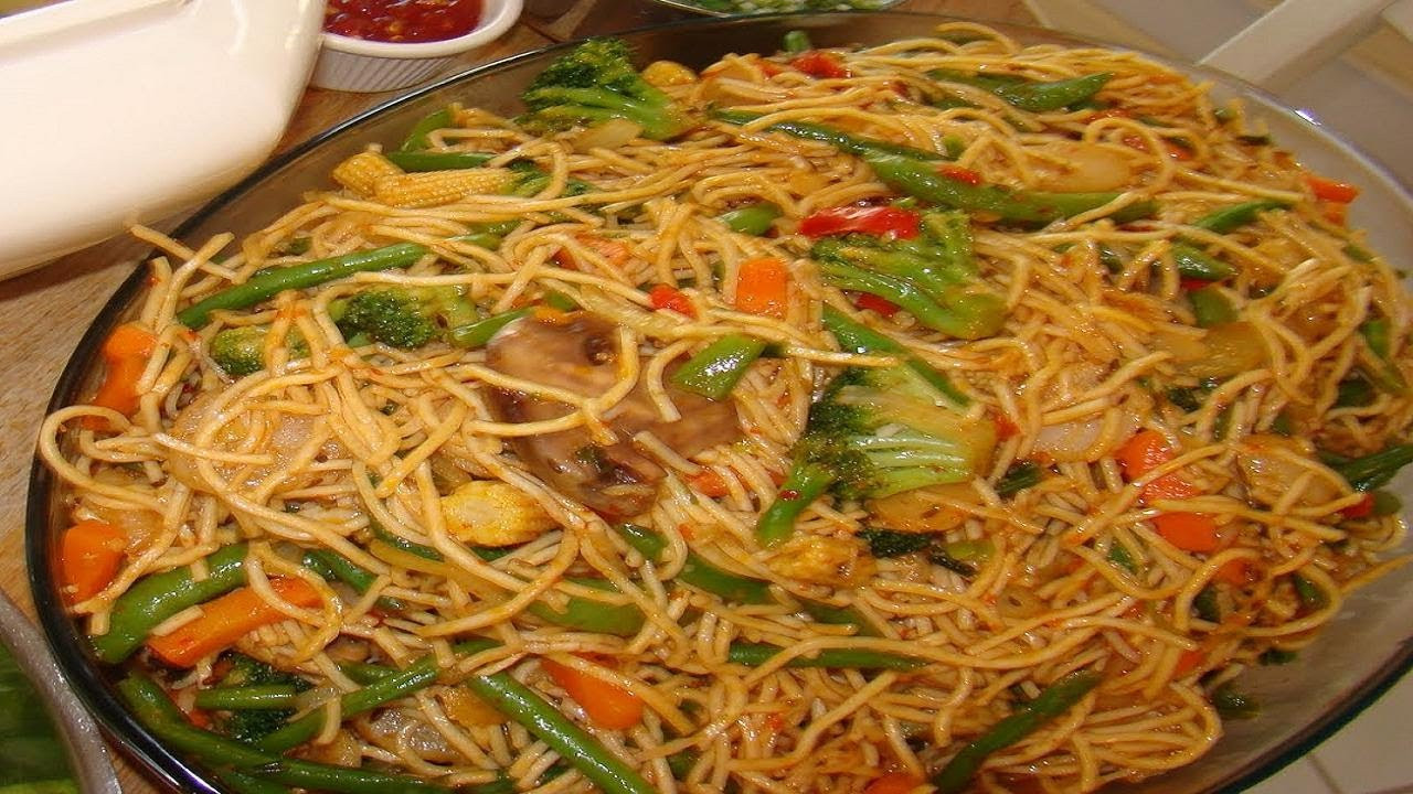 How To Make Chinese Noodles  How to make Hakka Noodles Video Recipe Ve able Chow