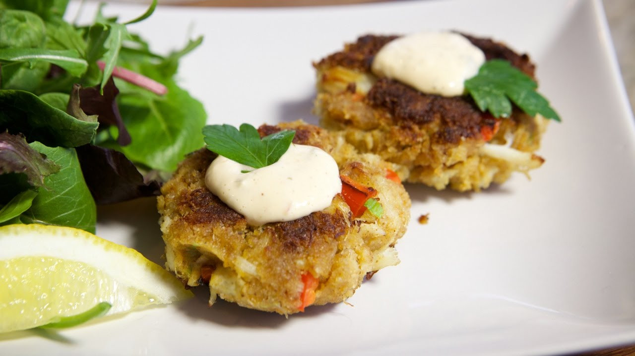 How To Make Crab Cakes  How To Make Easy Crab Cakes