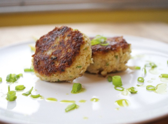 How To Make Crab Cakes  How to Make Crab Cakes Recipe Snapguide