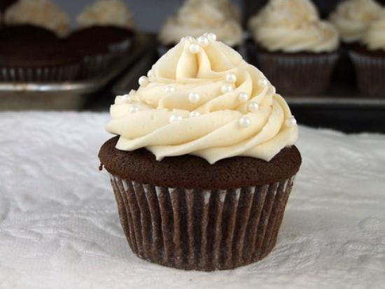 How To Make Cupcakes  Make Cupcake Wedding Cakes Cupcake Wedding Cakes