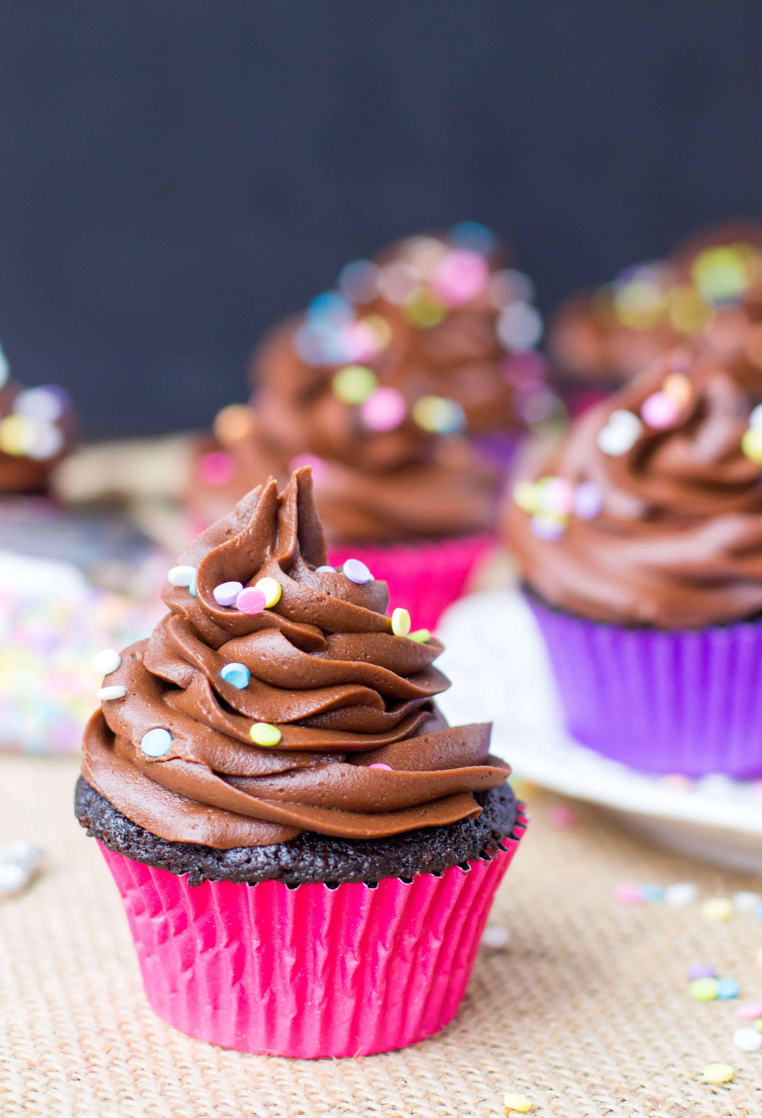 How To Make Cupcakes  Easy Chocolate Cupcakes Sugar Spun Run