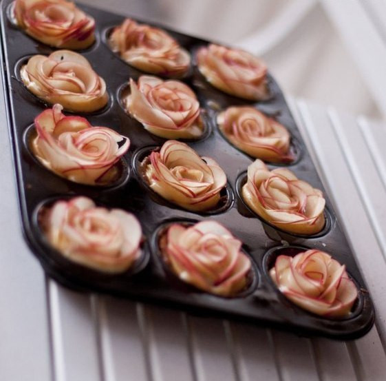 How To Make Desserts  Easy apple desserts How to make apple roses for a pie
