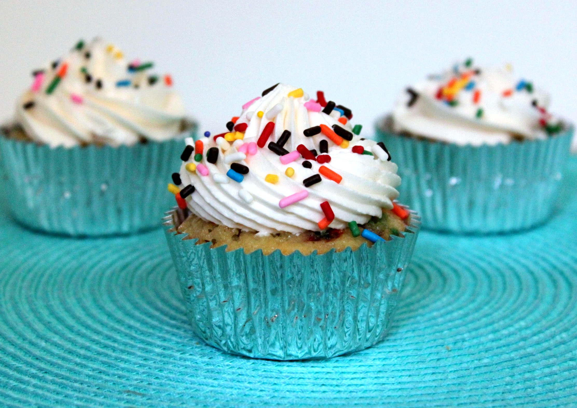 How To Make Homemade Cupcakes  Homemade Funftetti Cupcakes & a Giveaway