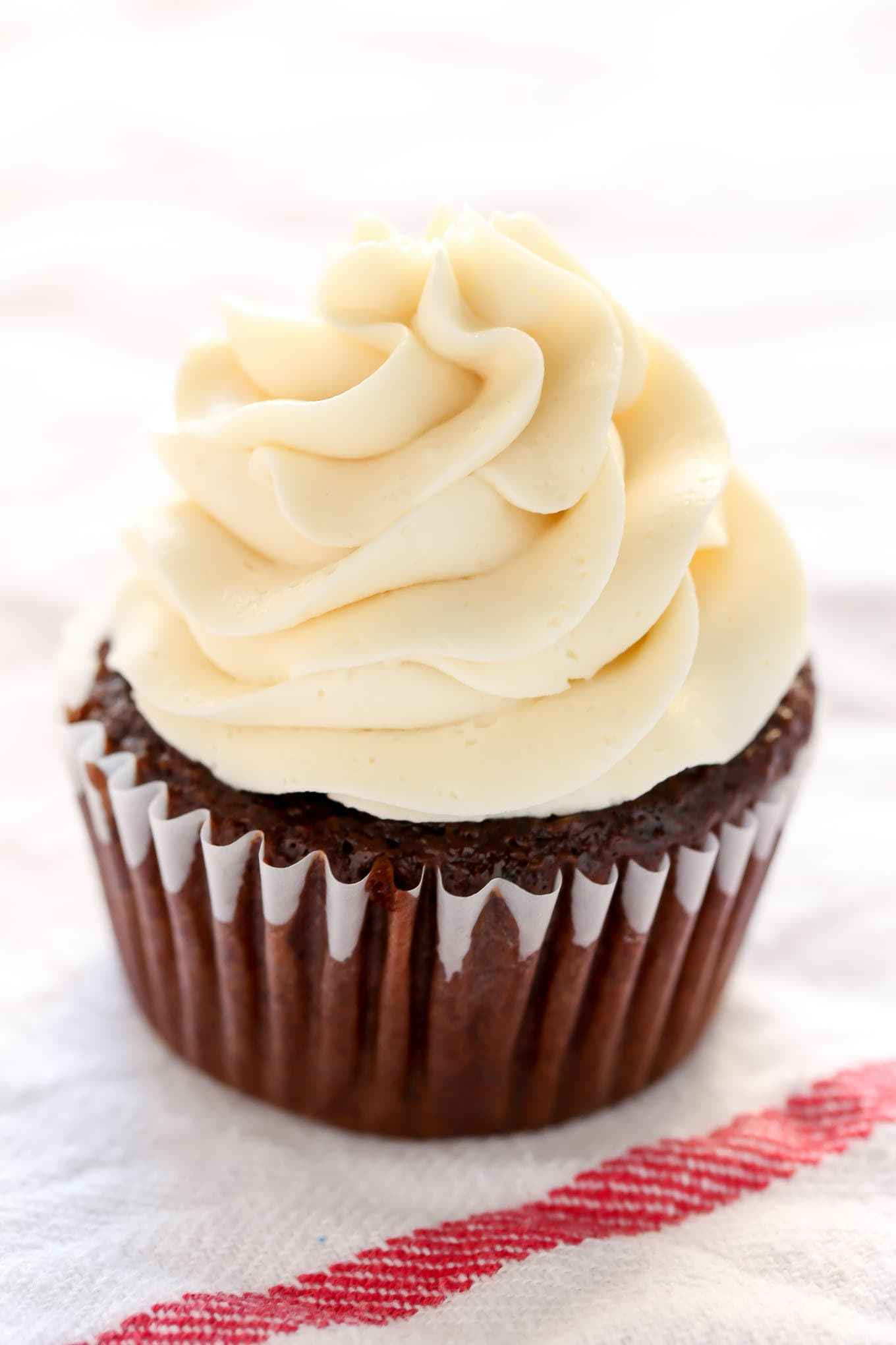 How To Make Homemade Cupcakes  How To Make Buttercream Frosting